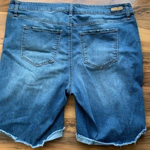 True craft Bermuda shorts 20